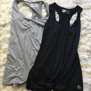 NWT Reebok bundle 2 tanks 🌼